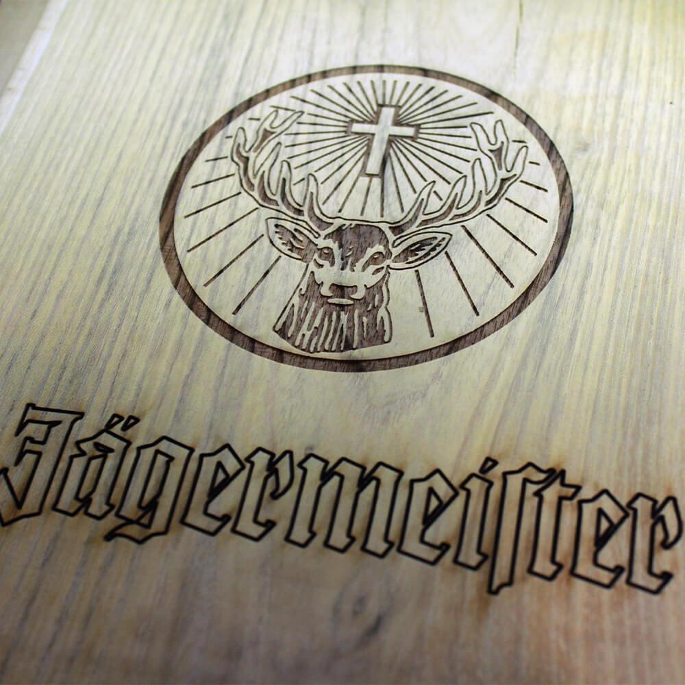 jaegermeister-holzschild-gravur