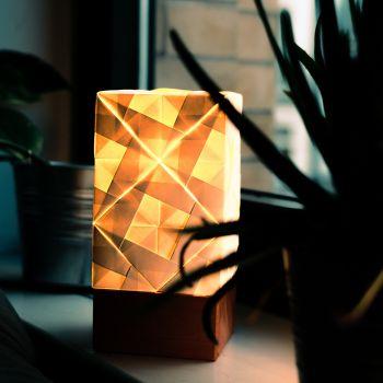 Origami Lampe mit goldenem Licht, mit Gravur
