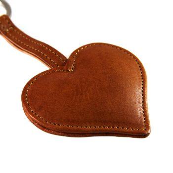 Schlüsselanhänger aus Leder mit Gravur gestalten