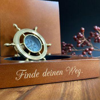 kompass mit personalisierter gravur taufe