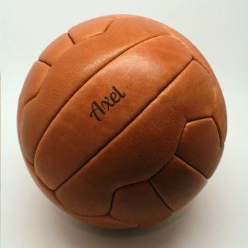 fußball mit namen graviert