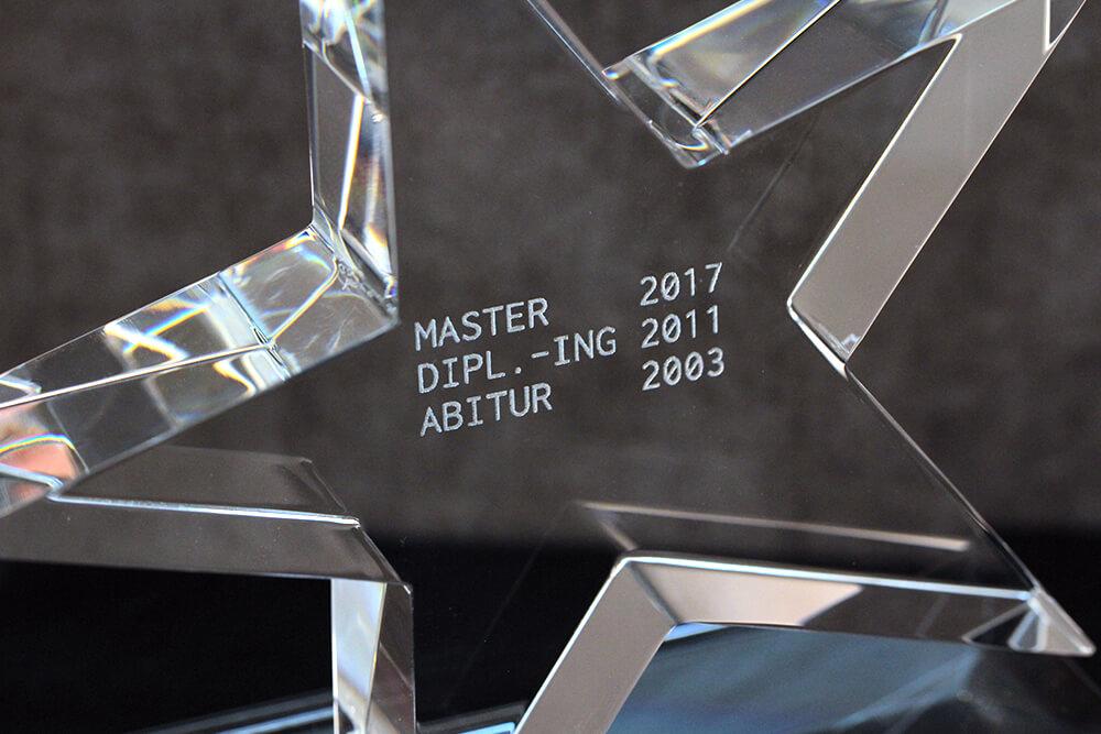 Acrylglas gravieren lassen für Pokal