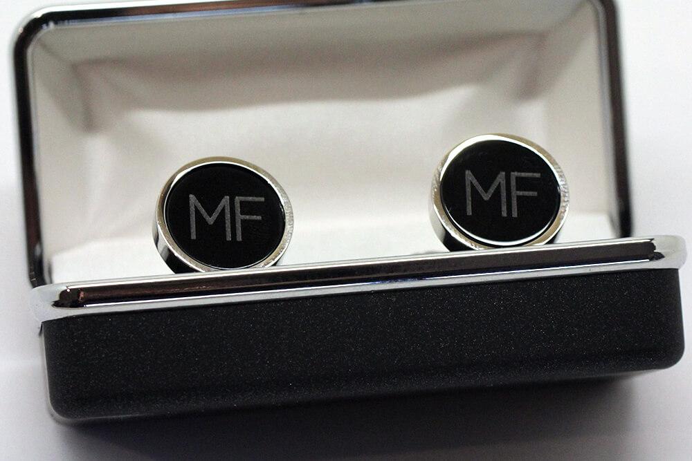 geschenke aus metall lasern manschettenknoepfe