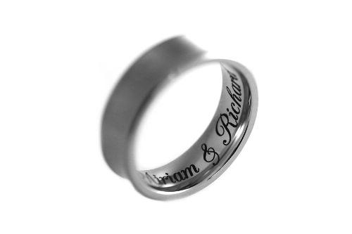 Ringgravur in Edelstahlring
