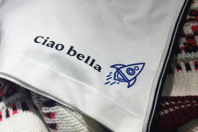 Transferdruck auf weißes T-Shirts